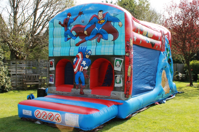 SuperHero Fun Run Bouncy Castle