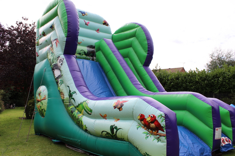 "Jungle Slide, 30'(d) x 22'6""(w) x 21'(h) - 9.15m(d) x 6.85m(w) x 6.4m(h), A110PSJ-687W"