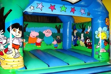 Tots tv 1874 11 6 25m x 5 05m x 3 05m inflatable amp bouncy castle