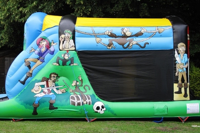 Outside Right Pirate Fun Run Bouncy Castle