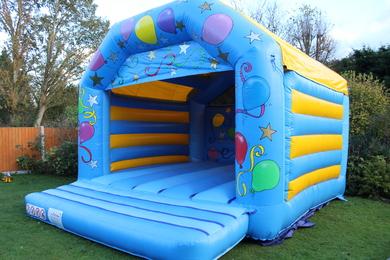"Adult Lets Party, 27'4""(d) x 20'6""(w) x 13'3""(h) - 8.35m(d) x 6.25m(w) x 4m(h), 2399/15"