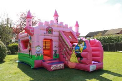 "Princess Belle Castle, 26'7""(d) x 20'1""(w) x 12'(h) - 8.1m(d) x 6.1m(w) x 3.65m(h)"