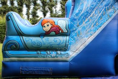 "Princess Ice Castle, 26'7""(d) x 20'1""(w) x 11'8""(h) - 8.1m(d) x 6.1m(w) x 3.55m(h), 2258/14"